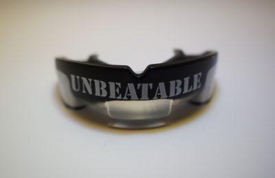 UNBEATABLE Zahnschutz
