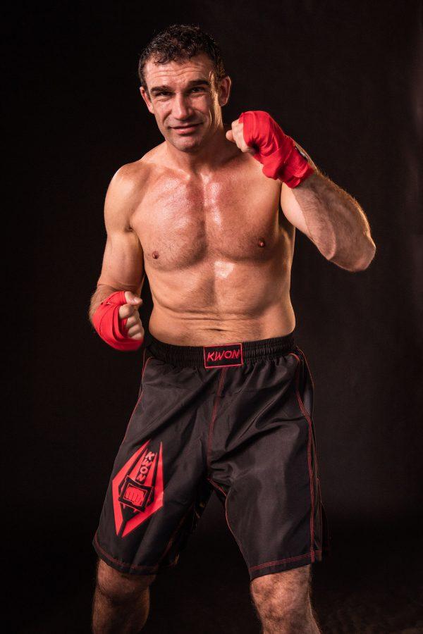 Kwon Freefight Shorts Schwarz-Rot